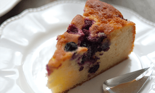 Yoghurt Berry Cake with Elderflower Syrup